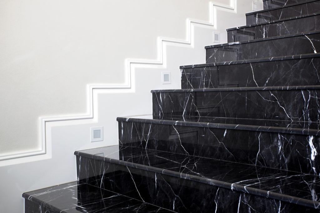 мрамор лестница Nero Marquino